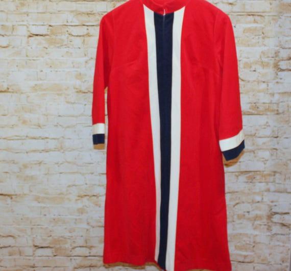 Vanity Fair Robe Red
