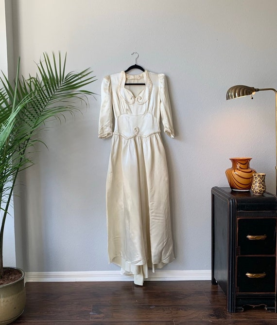Vintage 1930's long sleeve satin wedding dress