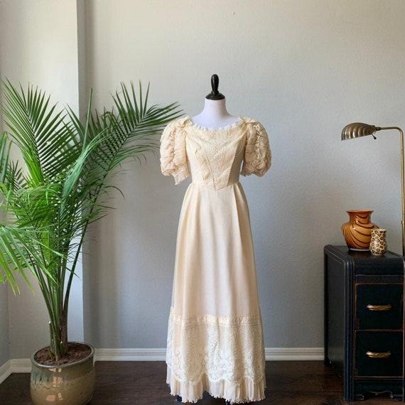 Vintage 1960's puffed sleeve boho wedding dress