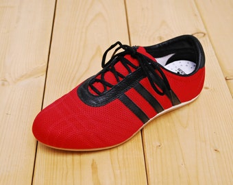 207fc4858 Vintage 1990 s Deadstock ADIDAS Running Shoes NOS   Sample Prototype    Women s Size 7   Retro Collectible Rare