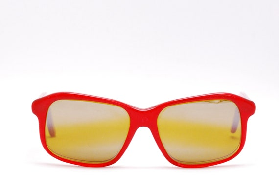 Vintage 1970's/80's Red VUARNET Sunglasses / Poui… - image 1