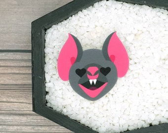Bat Heart Eyes Brooch Gothic Goth Dark Valentine Love Creepy Odd Halloween Brooch Horror Brooch Durable Wearable Art