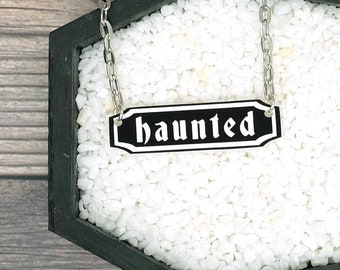 Haunted Necklace Word Plate Necklace Halloween Necklace Horror Necklace Spooky Goth Creepy Necklace Pendant Jewelry Durable Wearable Art