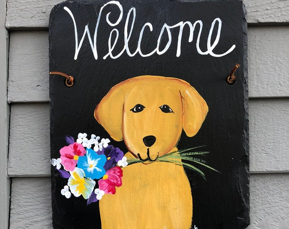 Painted Slate welcome sign, Spring door hanger, Dog welcome sign, Spring door decor, Welcome plaque, Outdoor spring decorations, Dog Lovers