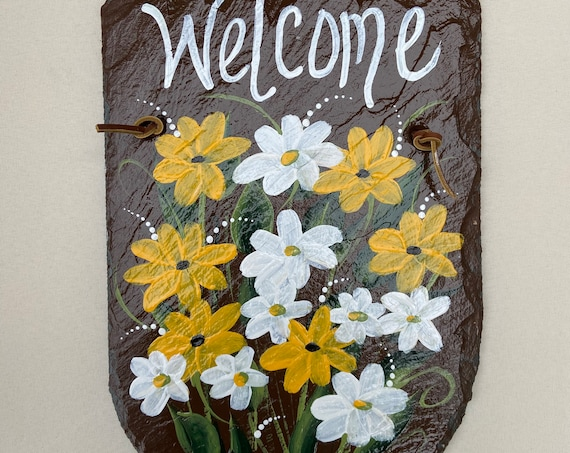 Slate Plaque, Hand painted Daisies welcome sign, Painted slate, Slate sign, Garden decor, Summer door hanger, welcome plaque, deck decor