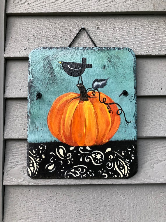 Halloween welcome sign, painted slate sign, Pumpkins & Black Crow Slate Door hanger, Fall decorations, Autumn welcome sign, pumpkin painting