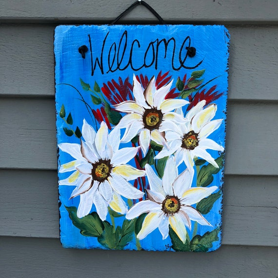 Spring welcome sign, Hand Painted slate Sign, Spring door hanger, Daisies welcome sign, Spring door decoration, Spring Welcome plaque