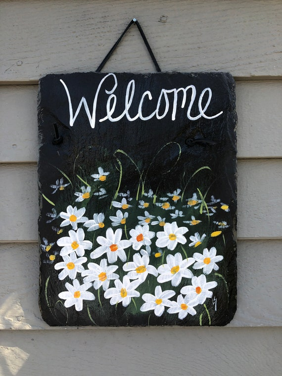 Daisies Slate Welcome sign, Welcome plaque, Door hanger, Welcome sign, Hand Painted slate, garden decor, Spring decor decor, Slate sign
