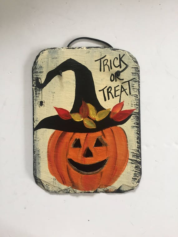 Halloween Jack-o-Lantern welcome sign, Slate sign, Halloween Slate Door hanger, halloween sign, Slate tile, painted slate. slate plaque
