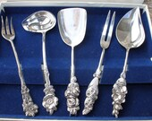 Vintage Reed Barton Fiesta 5 piece silver set