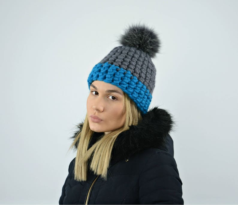 Hand crocheted hat Hand knitted hat Chunky winter hat Merino wool hat Chunky knit hat Fur pom pom beanie