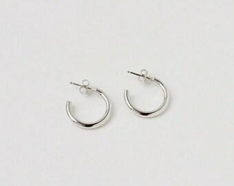 609477290 Medium Silver Hoop Earrings, Sterling Silver Hoop Earrings, Round Silver  Hoops, Everyday Silver Hoops, Classic Silver Hoop | Adopter Hoops