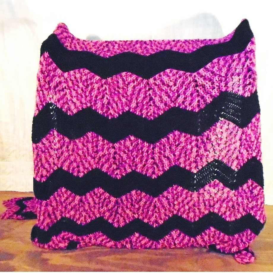 Pink and black striped yarn