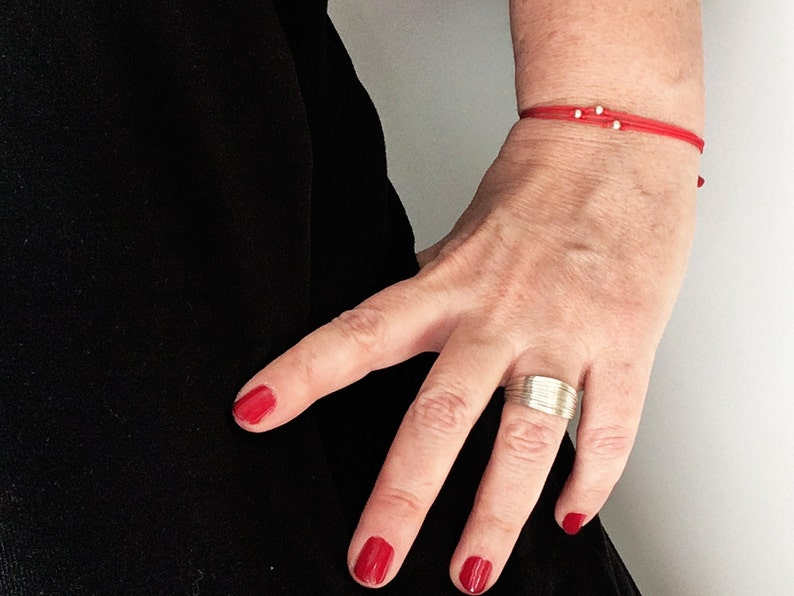 3 RED cords /& 3 sterling silver round PEARLS Closing sliding flat knot Teen Woman minimalist protector bracelet Friend Love 2019 Children