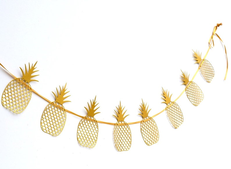 Free shipping! Pineapple Party Decor Luau Party Hawaiian party Pineapple Garland Gold Pineapple Decor,Pineapple wedding garland
