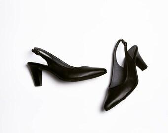 Black elegant heel shoes