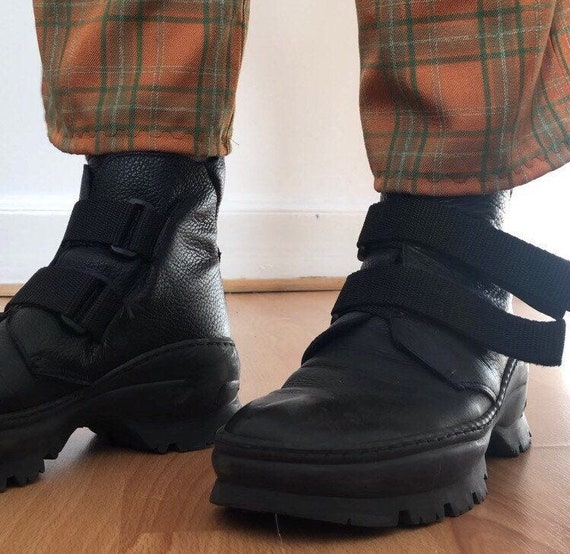90's Y2K Chunky Velcro leather boots