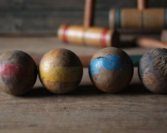 Croquet, set of 4 mallets and balls