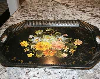 Large Tole Painted Tray//Metal Tray With Handles//Shabby Chic Home Decor//Vintage Tray