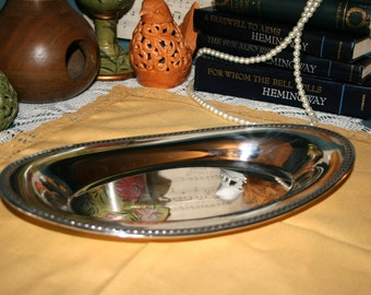 International Silver Plate Serving Dish #674//Serving Dish//Bread Dish//Vintage Serving Dish