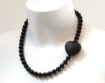 Murano glass necklace handmade in Murano by Cesare Sent original made in Italy differnt elegant modern fashion crafts sandblasted