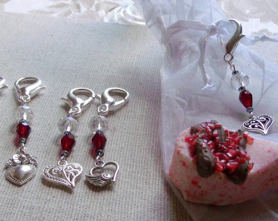 Heart charm zipper pulls - set of 3   - deep red Bridal gift - Mothers day gift from kids -  beaded wedding favors - Valentine - Journal