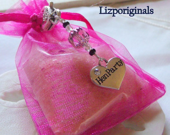 Hen party gift - hen party bags - hen party decorations - hen party essentials - hen party gift idea - Bachelorette favors - pink team bride