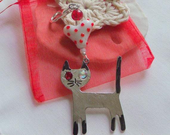 Stylish cat zip pull - black cat - Car paw charm - I love cats Gift - Metallic cat - lamp work heart kitty journal clip - feline cat gift