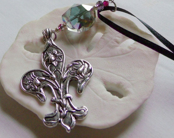 Fleur de Lis pendant - kitchen ornament - Mardi Gras  - Fat Tuesday - festive pearl bottle charm - new Orleans decor  gift - Louisiana