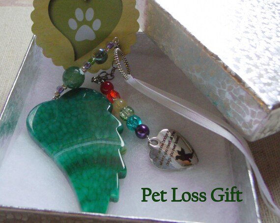 Pet loss gift - green angel wing - agate pendant - Dog Sympathy gift - memento - ornament Pet memorial - rainbow bridge charm - gift box set