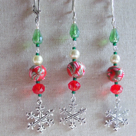 Snowflake ornaments - red Holiday gift  - Christmas tree  - red floral green polymer clay  -  beaded accents - gift bag decor Lizporiginals
