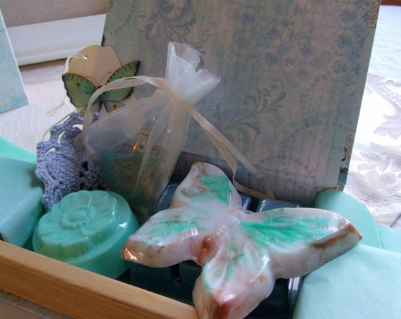 Anxiety relief gift box - agate gem hearts - butterfly soaps - Stress spring gift - pamper yourself - Mothers day - fidget stone zipper pull