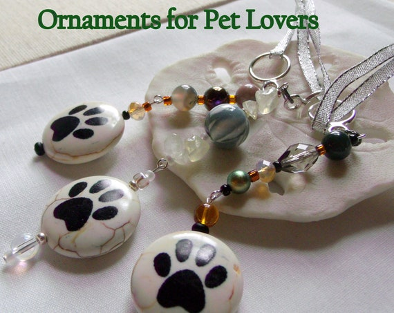 Beaded paw ornament - car charm - for pet lovers - dog and cat owner gift set -  pet sitter - pet carrier - walking club - Lizporiginals
