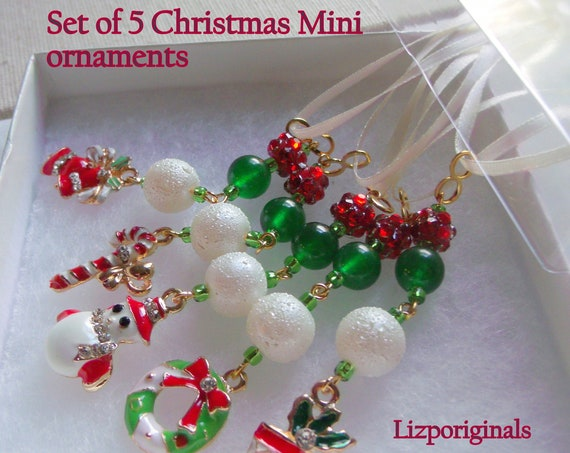 Christmas tree ornaments - set of 5 mini charms - red  holiday hostess gift - stocking stuffers - home decor - red green white beaded treats