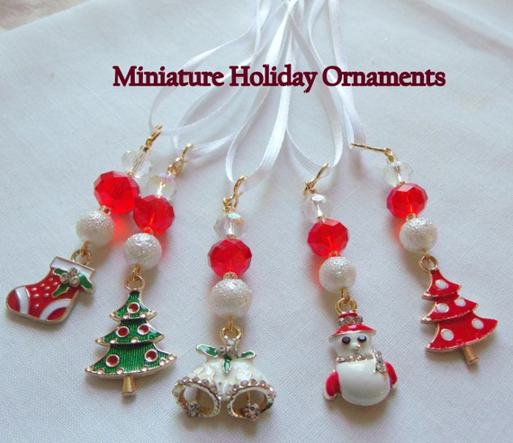 Christmas miniature ornaments - tree décor - enamel Snowman charms - cottage decorations - set of 5 - holiday gift set - whimsical charms