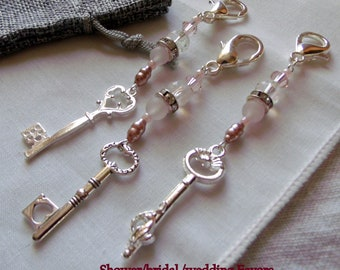 Wedding shower favors - large key charms - pink key design - bridal shower favors - Romantic ambiance - crystal zipper pull - wedding day