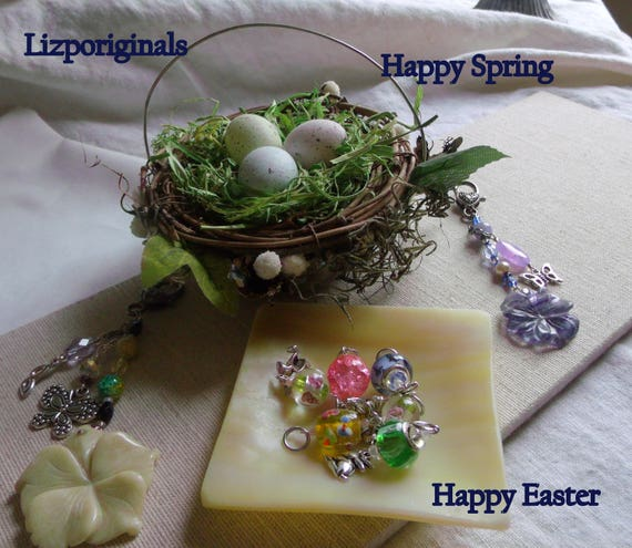 Set of 5 Bunny charms - Easter gift - spring party favors - mixed beads - choice of ribbon - stitch markers - Ostern - Lizporiginals