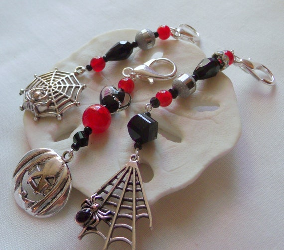 Halloween Zipper pulls - party favors - spider web charms - pumpkin face - red silver goth gift - scary halloween grab gift - Lizporiginals