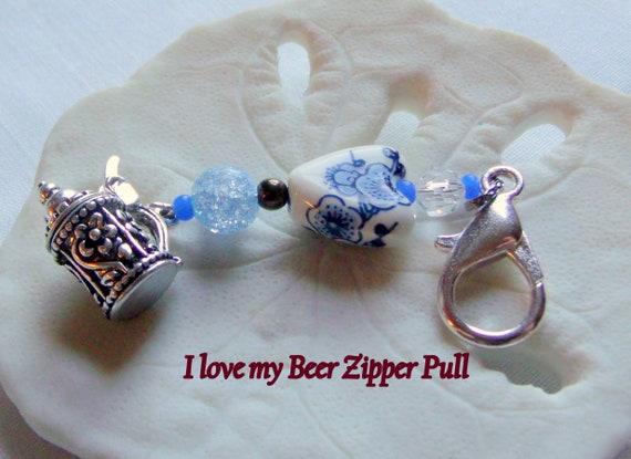 I love Beer zipper pull - October fest trinket - backpack clip -  beer stein - Bavarian ceramic heart beer gift -  Austrian - club gift