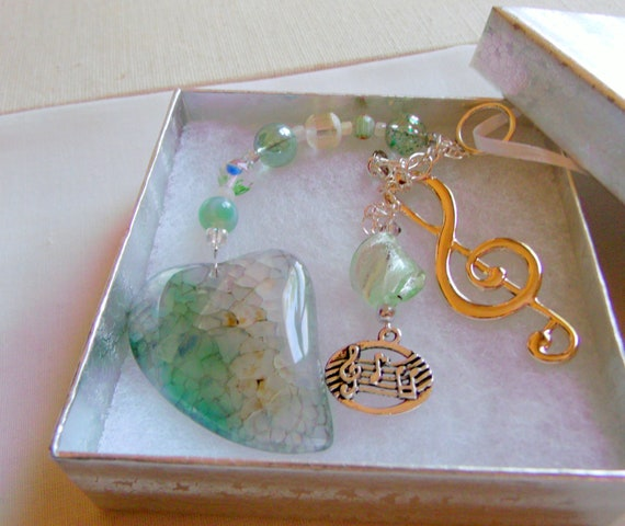 Gift for music lover  - green heart sun catcher - treble clef - music notes - music student dorm art - Christmas ornament - window car charm