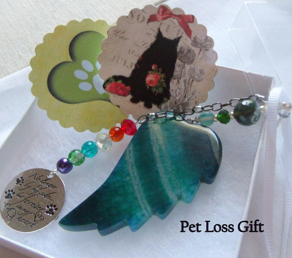Pet loss Gift -  green gem agate wing -  loss of a pet gift - pet Sympathy gift - angel memento - round print poem - car window charm