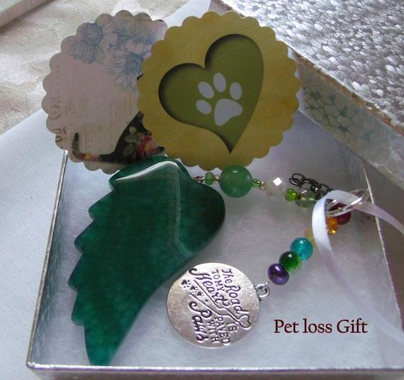 Pet loss gift - green angel wing - agate pendant -  Pet Sympathy gift - memento -Pet memorial - rainbow bridge charm - gift box set
