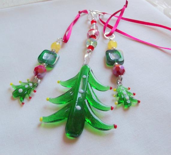 Glass tree ornament gift set - large Christmas tree - mini tree hangers - green murano glass Christmas tree - stocking stuffer - set of 3