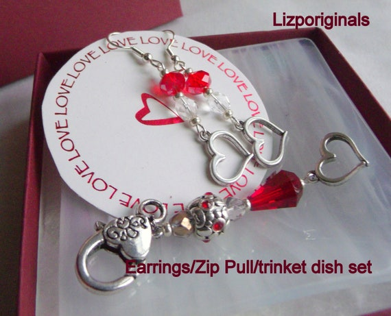 Red Mothers day gift - heart earrings - fused glass dish set - boxed gift - heart zipper pull - trinket ring dish - Lizporiginals