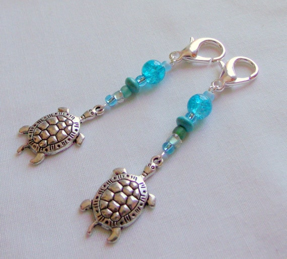 Turtle bag charms - aqua sea turtle zipper pull- ocean life - aquarium gift - turtle journal clip - tote -  birthday favor - Lizporiginals