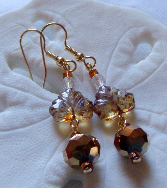 Maple leaf fall earrings - honey -  green short dangle  - nature - garden - tree -  oval black jewelry - bronze crystals - Lizporiginals