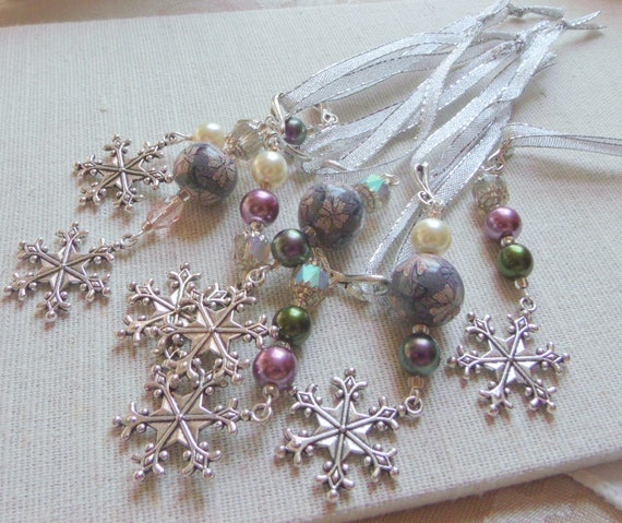 Holiday - Snowflake christmas decorations - tree ornaments - white lace glass flower box - mauve - green beaded accents - gift Lizporiginals