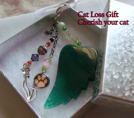 Pet loss gift - green angel wing - agate pendant - Sympathy gift - paw - cat charm memento - fur baby - cat keepsake - gift box set
