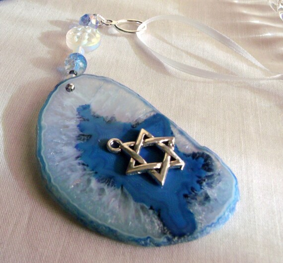 Hanukkah Decorations - Window sun catcher - light blue geode slice - Stand for Israel - Judaic memento - Star of David charm - Lizporiginals