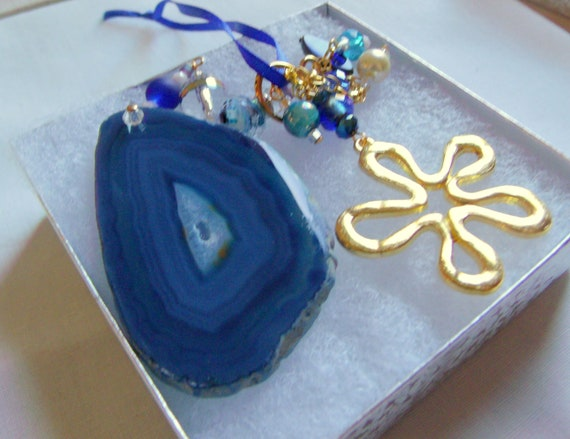 Blue gem car charm - window ornament - agate slice - geode gift - flower and gem decoration - patio ornament - for tote bags - agate gift